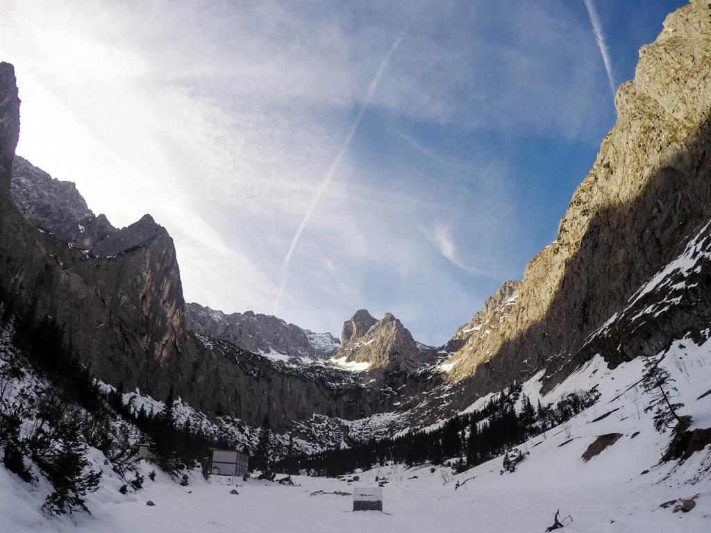 Schneegestöber mit Blick in Richtung Zugspitze