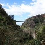 Autobahnbrücke über dem Tal